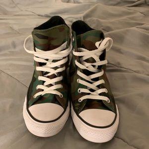 Converse Shoes - Camo rose converse